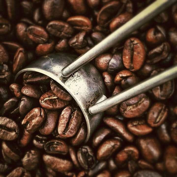 Cómo agregar café en la preparación de la cerveza artesanal