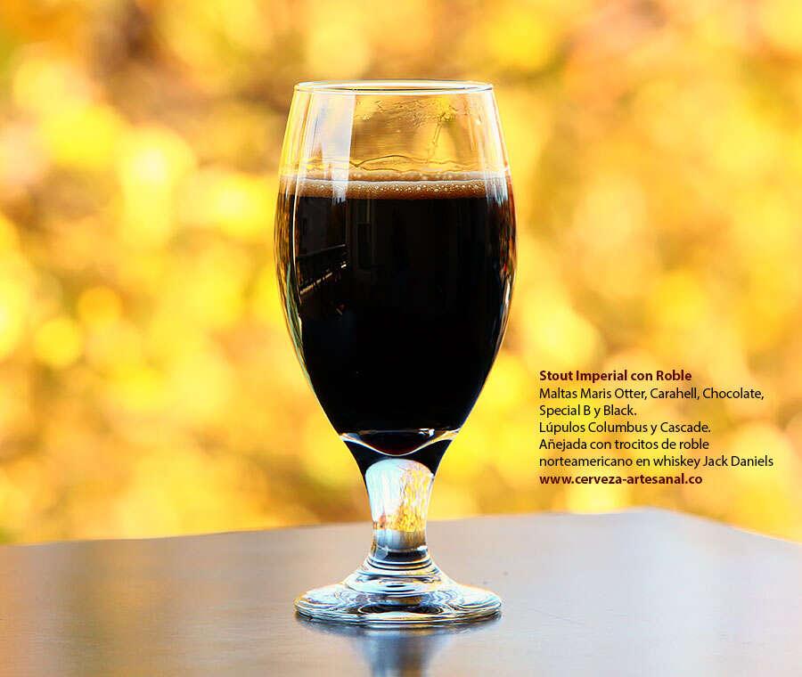 Stout imperial con roble; Maltas Maris Otter, Carahell, Chocolate. Special B y Black; Lúpulos Columbus y Cascade