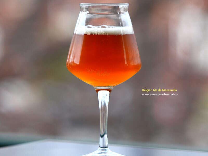 Belgian Ale con manzanilla II; maltas 2-row, Golden Promise, Belgial Biscuit, Caramel 120L; Lúpulo Citra