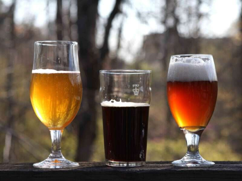 Cómo prepararse para participar en un concurso de cerveza