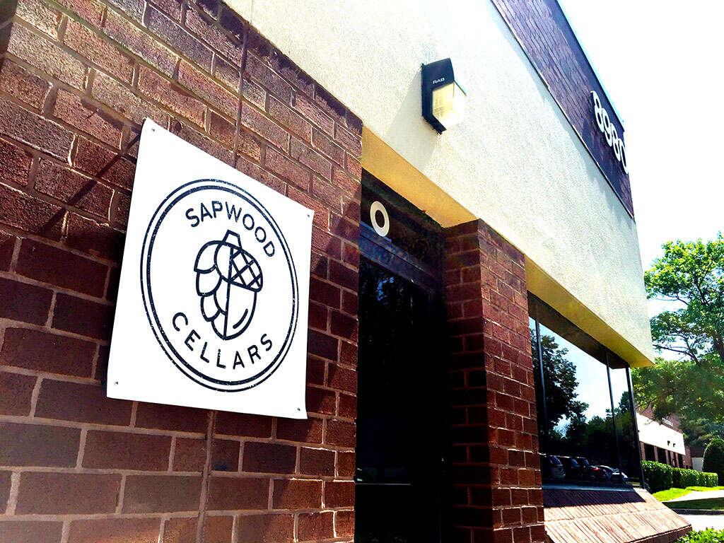 Visita a Sapwood Cellars antes de su apertura oficial