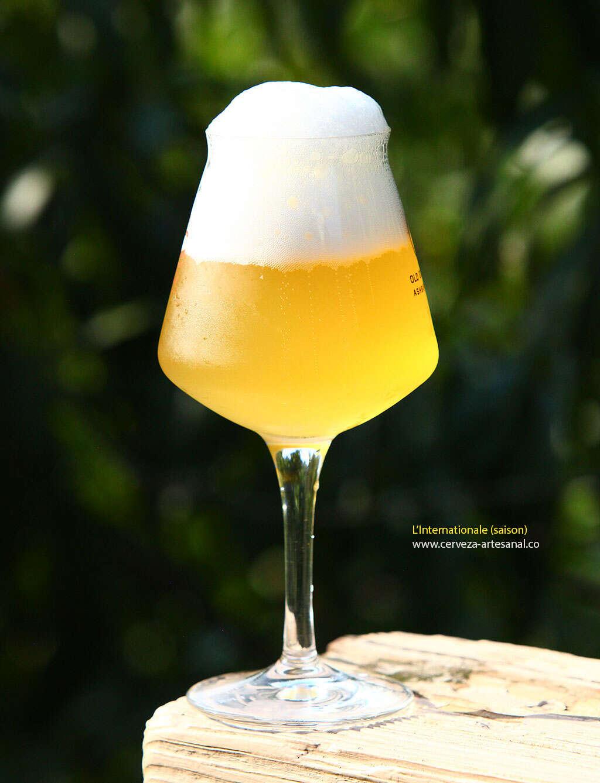 L'Internationale – cerveza saison concebida por una comunidad de cerveceros caseros y profesionales