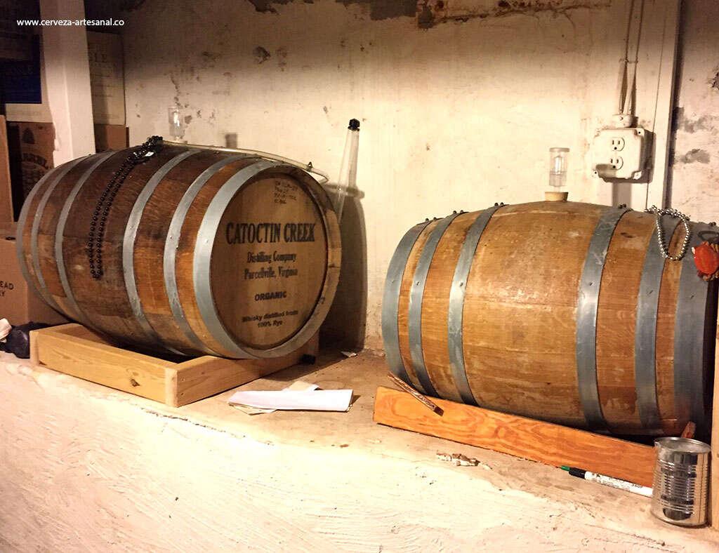 Utilización de barriles de madera en cerveza